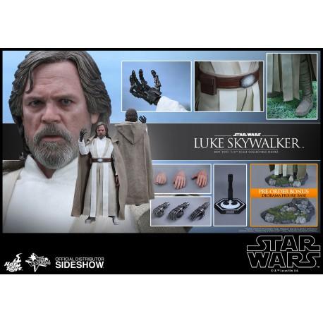 Luke Skywalker Sixth Scale Figure  Star Wars: The Force Awakens - Movie Masterpiece Series